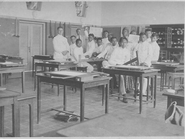 Sejarah Sekolah dan Padmanaba