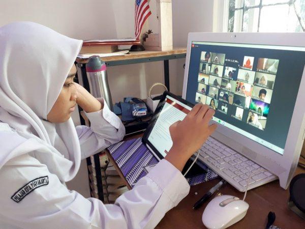 Pelaksanaan Pendidikan Karakter Dalam Kegiatan Penilaian Akhir Semester Secara Online
